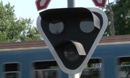 Vasúti átjáró félpályás lezárás